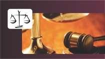 cartão de visita Advogado criativo: balança martelo e vermelho