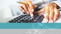 cartão de visita Contabilidade moderno: calculadora mão lápis e azul