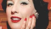 cartão de visita Manicure makeup: olhos boca e vermelho